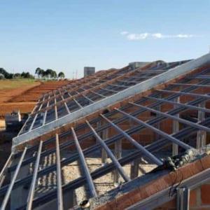 Estrutura metálica telhado residencial