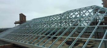 Estrutura metálica de ferro